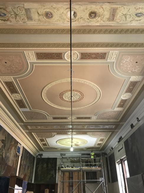 plaster ceiling after restoration of original color palette